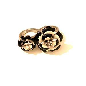 Black and white flower rhinestone pearl rings